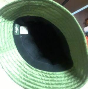 fc8262939 🎄PRICE CUT! Eddie Bauer Bucket Hat